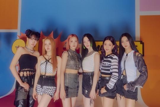 STAYC登上iTunes K-POP專輯排行榜榜首→MV點擊率突破600萬