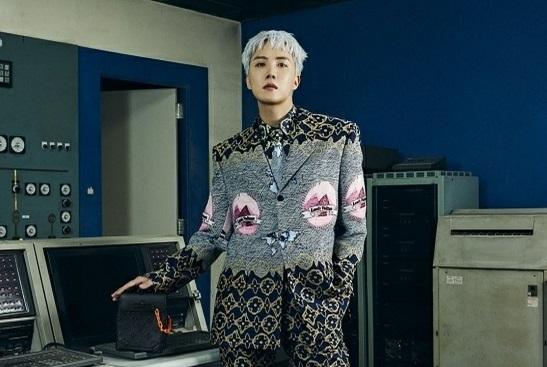 """[防彈少年團][新聞]210921 BTS JHOPE獲得路易威登時裝秀全高雲導演的盛讚,""""令人印象深刻,完全被迷住了"""""""