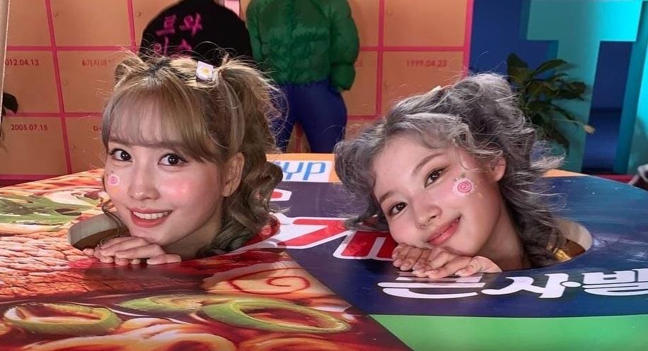 "TWICE Sana&Momo為紀念6週年以""牛肉湯泡麵""Cosplay登場!永遠的雙胞胎的真心Cosplay讓粉絲們興奮不已"
